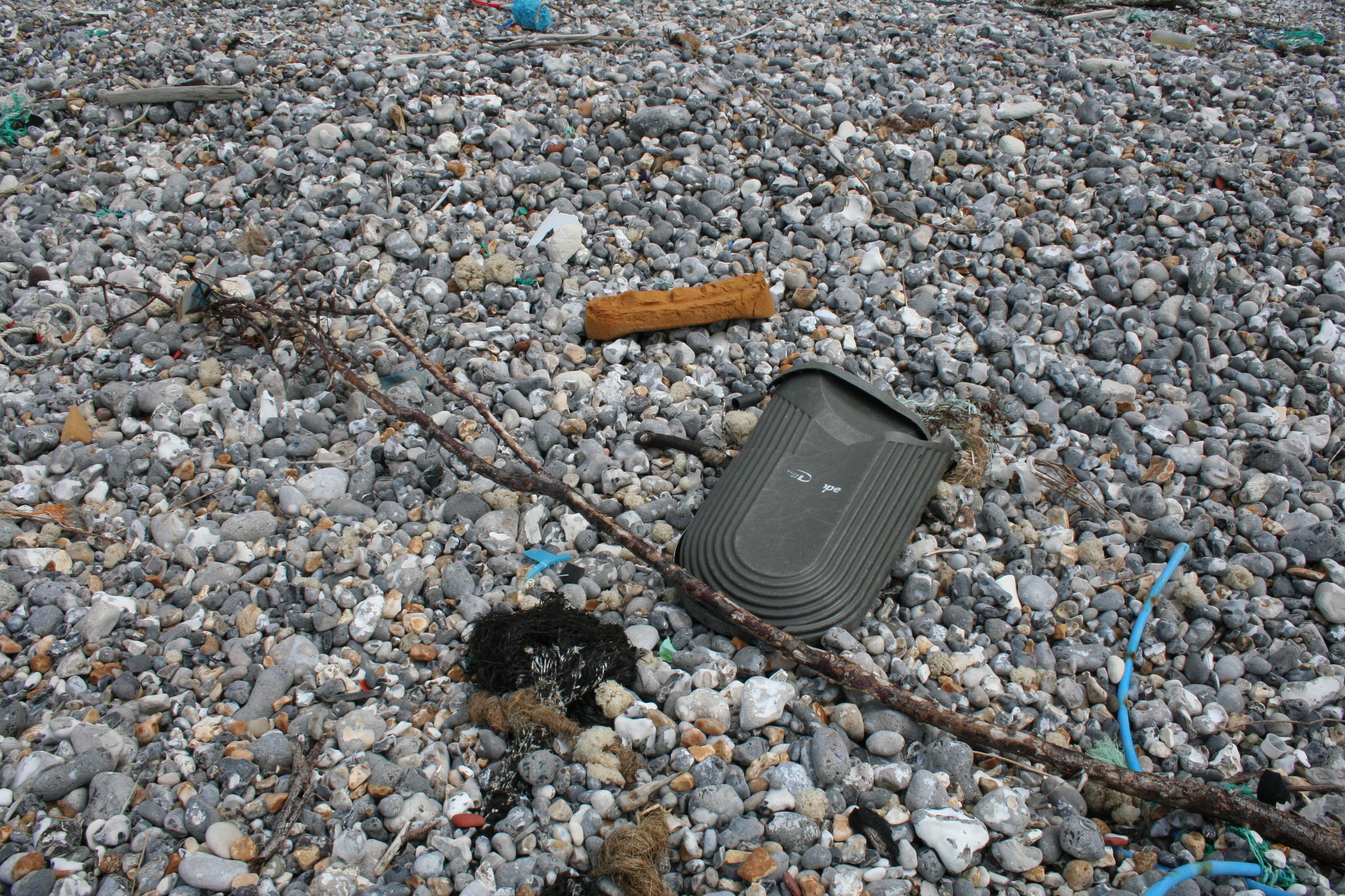 plastique sur plage